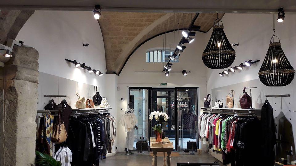 Intérieur boutique elle ... tout simplement dépôt-vente Montpellier