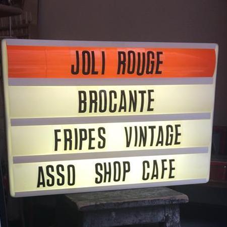 Image boutique Joli Rouge Brocante Marseille
